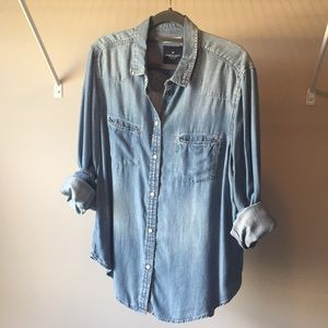 American Eagle Chambray Button Down